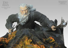 LOTR~GANDALF VS BALROG~YOU SHALL NOT PASS~WALL PLAQUE~LE 2000~SIDESHOW~WETA~MIB
