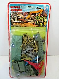 VINTAGE DEFENCE COMMAND ARMY MEN VEHICLES SOLDIER TOYS HONG KONG