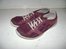 CLARKS SOFT SOLE WOMENS GIRLS SHOES size 5.5 M BURGUNDY COMFY