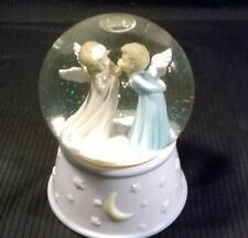 Music Box Company Snow Globe Kissing Angels Music Box (R)