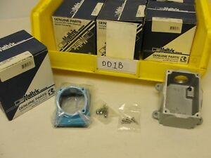 """New in Box, Meltric 31-1A053-080-1, Angle Box 1"""" NPT."""