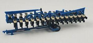 SpecCast 1:64 Kinze 3605 16 Row Planter