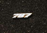 Pin BOEING 787 Dreamliner Logo Numbers 25mm Pin Gold for Pilots Crew