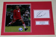 Rob Earnshaw Galles Hand Signed Autograph Foto MOUNT