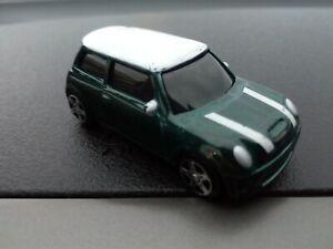 Maisto BMW Mini Cooper S 1:64 DARK GREEN WITH WHITE STRIPES AND ROOF