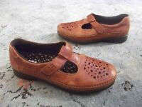 SAS Willow Slip On Loafers Walnut Brown Leather Tripad Comfort Shoes Size 9.5 N
