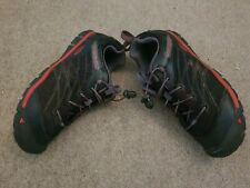 Keen Chandler Boys Hiking Shoes size UK 3 RAVEN/FIERY RED