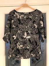 Ladies Clothes Size Small Oasis Black Silver Grey Butterfly Top (165