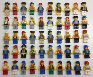 5 LEGO PIRATE MINIFIGS LOT pirates random bulk figures w/ 5 accessories