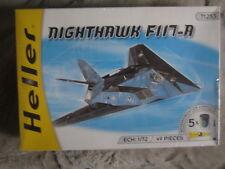 AIRPLANE NIGHTHAWK F117-A  1/72  Marca HELLER  Nuevo en caja