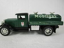 Vintage 1996 ERTL DIECAST MOBILGAS COIN BANK #0842 Mobiloil Gas tanker truck