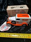 1992 ERTL 1932 PANEL DELIVERY TRUCK UNIV. OF TENNESSEE VOLS DIE CAST BANK MINT