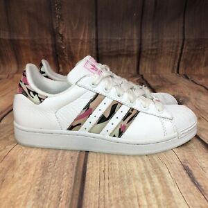 Adidas Originals Superstar Camouflage Shoes Women 8 Athletic Shoes (Worn Once)