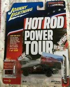 Johnny Lightning 2017 Muscle Cars USA Version A 2001 Pontiac Firebird 1:64 BLACK