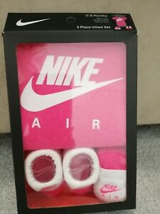 Nike Air 3 Piece Infant Baby Hat, Booties & Bodysuit Set, Gift.