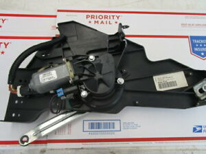 2005-2011 Lincoln Town Car Rear Trunk lid pull UP / Down Motor Assembly OEM
