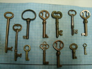 BRASS KEYS - LOT OF 12 SKELETON AND BARREL KEYS