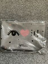 IT COSMETICS I LOVE IT MAKE UP BAG-SILVER & PINK NEW IN SEALED BAG