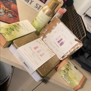 THYMES bath / body products Lot NEW