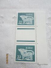 Irlanda 1981 Mint N H 22p par de canal SG 480 19/096