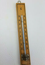 altes Thermometer Holz