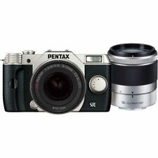 Near Mint! Pentax Q10 with 5-15mm and 15-45mm f2.8 Silver - 1 year warranty