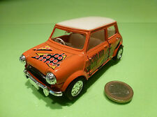 VINTAGE MORRIS MINI COOPER - COLOR STORE - 1:24? RHD - RARE - GOOD PULLBACK