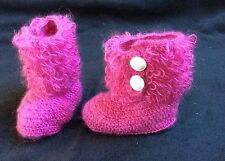 Markenlose Baby-Schuhe im Stiefelchen-Stil