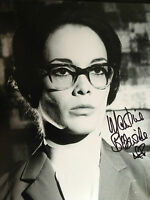 MARTINE BESWICK - JAMES BOND ACTRESS -  STUNNING SIGNED B/W PHOTOGRAPH