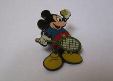 Pin's disney / Mickey - tennis (époxy signé Disney)