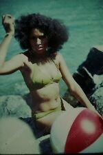 1977 candid of pretty woman in green bikini vintage 35mm slide Gx14