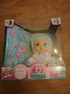 NEW IMC Toys Cry Babies Kristal Give Her The Dummy And A Cuddle 98206IM
