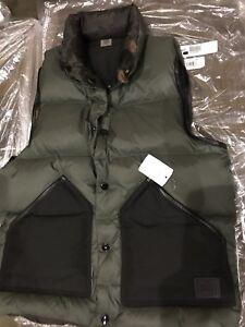 New. Coach Reversible  Down Vest Size S Man F21009 $ 295