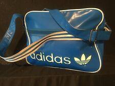 Vintage Alte Adidas Sporttasche aufgenähte Buchstaben Tasche Umhängetasche