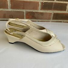 Hush puppies white cream sling back sandals Women's Size US 7