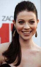 GLOSSY PHOTO PICTURE 8x10 Michelle Trachtenberg Smiling For Photo