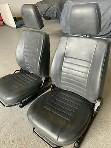 land rover defender front seats