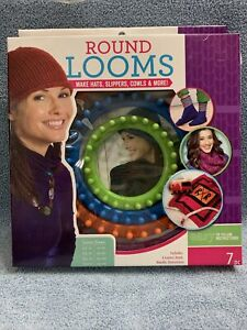Leisure Arts Round Loom 7 Piece Set 4 Looms, Hook, Needle & Instructions-Sealed