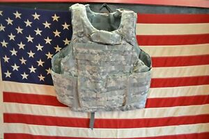 ARMY ACU DIGITAL BODY ARMOR PLATE CARRIER MADE W/KEVLAR INSERTS Large lot 1
