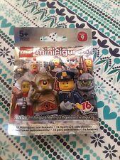 LEGO SERIES 9 ALIEN AVENGER .SEALED