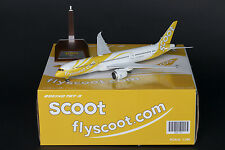 Scoot Boeing 787-9 Dreamliner Reg: 9V-OJA JC Wings 1:200 Diecast Models XX2755