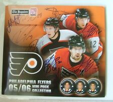 Philadelphia Flyers 2005-06 Mini Puck Collection Autograph fold-Out Booklet Only