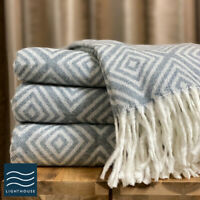 Soft Woollen Feel Grey White Abstract Geometric Large Sofa / Bed Blankets Throws