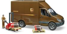 BRU2538 - Utility MERCEDES With Figurine Articulated And Accessories Included