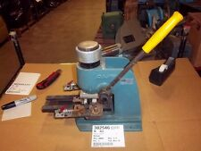 AMP BENCH CRIMPER TOOL 220144-1-D USED ITEM IN WORKING CONDITION 10 POUNDS