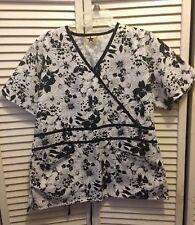 Black Star Scrub Top White & Black Floral Pattern Shirt Women's Medium