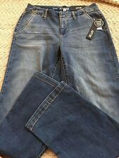 Apt.9 Mid Rise Trouser size 8 , Straight through Hip& Thigh Relaxed Leg Opening