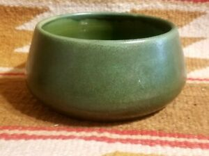 FINE ARTS & CRAFTS HAMPSHIRE POTTERY Sm TAPR BOWL MATTE GREEN EMORETTA ROBERTSON