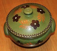 Ancienne soupière en terre vernissé verte et decorée  poterie