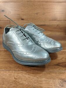 COLE HAAN Grand OS Womens Wingtip Oxford Argento Metallic Patent Leather SZ 8.5B